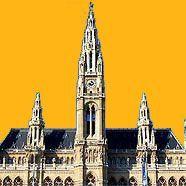 Das Wiener Rathaus vor zartorange