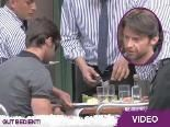 Hugh Jackman hat krasse Star-Allüren beim Lunch: Ein Kellner musste ihm am Tisch das Fleisch klein schneiden!
