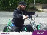Oliver Korittkes aufgemotztes Mofa: Auf diesem coolen Bike fährt er 1000 Kilometer in 7 Tagen!
