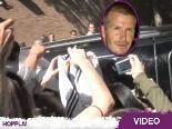 David Beckham wird von kreischenden Fans umlagert: Mann, das ist doch nicht Zac Efron!
