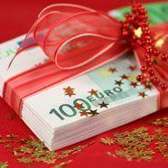 Jeder vierte schenkt zu Weihnachten Geld oder Gutscheine
