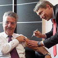 Heinz Fischer ließ sich gegen Schweinegrippe impfen