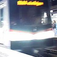 Mann vor die U-Bahn gestoßen – Notbremsung verhindert Schlimmeres