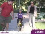 Sharon Stone bringt ihrem Sohn Fahrradfahren bei: Tschüss, Mama! Ich bin dann mal weg!