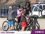 Cindy Crawford & Familie machen eine Radtour: Wie? Wo? Was? Erpressung?