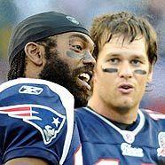 Fit für den Titel: Patriots Randy Moss und Tom Brady