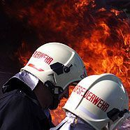 Rettungsversuch scheiterte: Frau stirbt bei Wohnungsbrand