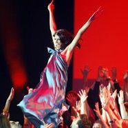 Alisar Ailabouni will zu den ganz großen Designern