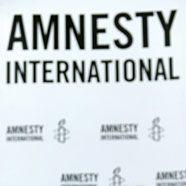 Amnesty fordert besseren Schutz für Frauen in Slums