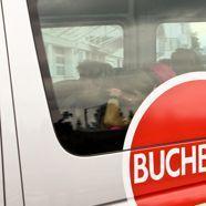 Familie Zogaj am Flughafen Salzburg streng abgeschirmt