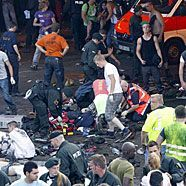 Massenpanik vor Duisburger Loveparade: 19 Todesopfer