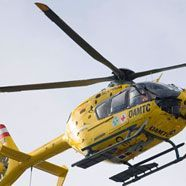 Pkw stürzt über Böschung: 4 Verletzte