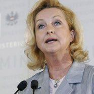 """Zuwanderung: Innenressort verweist auf """"Rot-Weiß-Rot Card"""""""