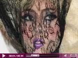 Video – Lady GaGas Fashion-Geheimnis: Der Grund ihrer verrückten Looks? Whiskey…