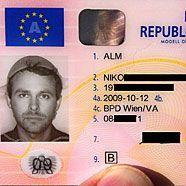 Nudelsieb als religiöse Kopfbedeckung in Führerschein genehmigt