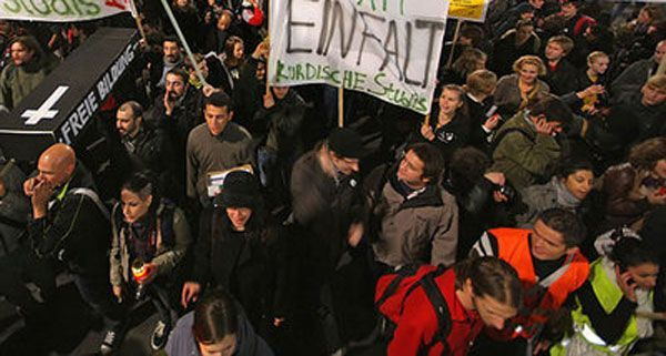 Demo Freitag Wien Detail: Wiener Ring Am Freitag Gesperrt: Demonstration