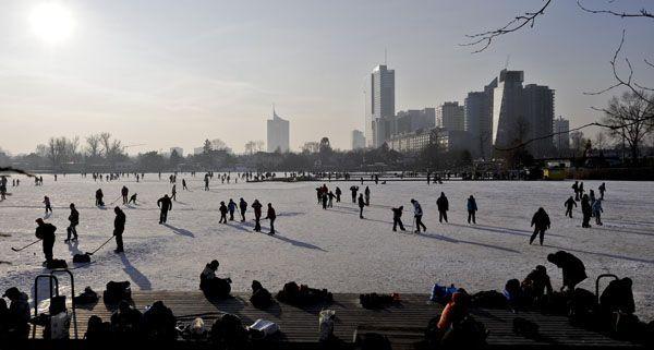 In Wien gibt es für jeden den richtigen Eislaufplatz.