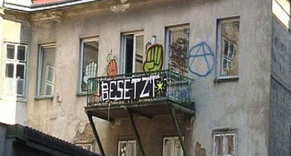 Demo Freitag Wien Detail: Hausbesetzer Sind Hartnäckig: Erneut Hausbesetzung In Wien