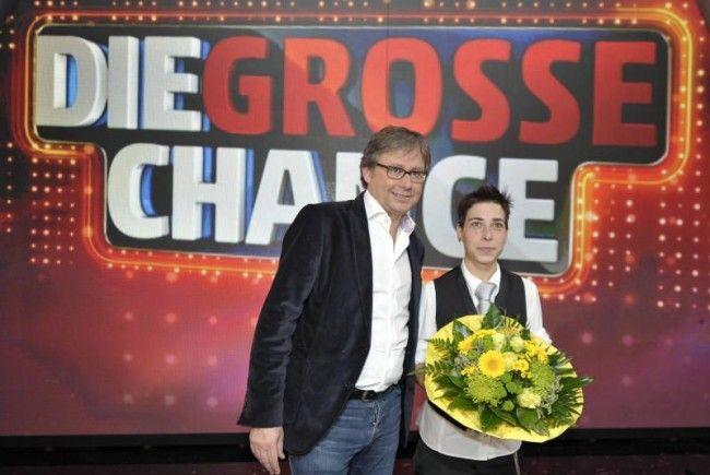 ORF-Chef Alexander Wrabetz mit Siegerin Hödl