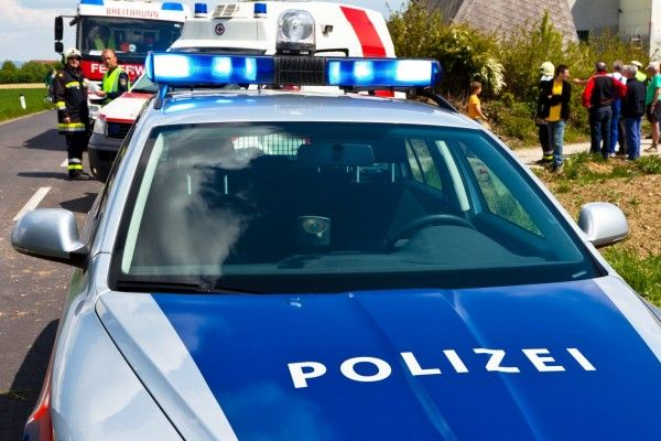 polizei zu jugendlichen bleibt sauber polizei news vienna online. Black Bedroom Furniture Sets. Home Design Ideas