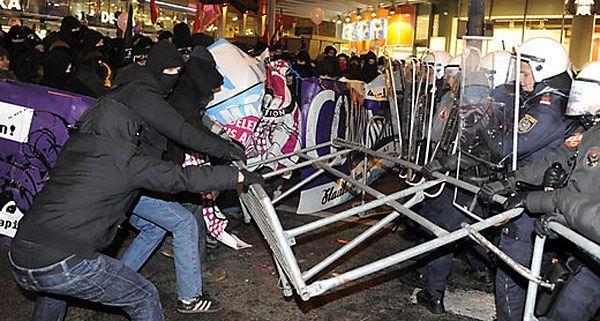 SOS Mitmensch plant am Abend des WKR-Balles eine Großkundgebung am Wiener Heldenplatz.