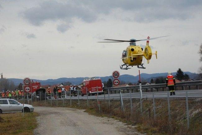Einen Großeinsatz auf der S5 erforderte ein Unfall mit mehreren beteiligten Fahrzeugen
