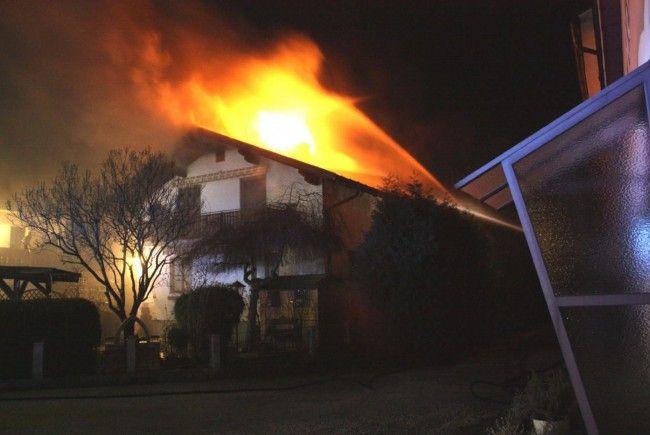 Lichterloh in Flammen stand dieses Wohnhaus in Steinakirchen