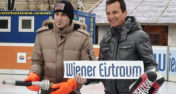 Sport-Stadtrat Oxonitsch ist sichtlich stolz auf den entstehenden Wiener Eistraum