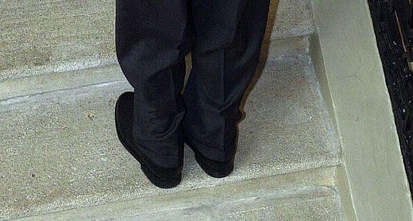 Der 17-Jährige Dieb versteckte sich in Ottakring unter einer Treppe - vergeblich