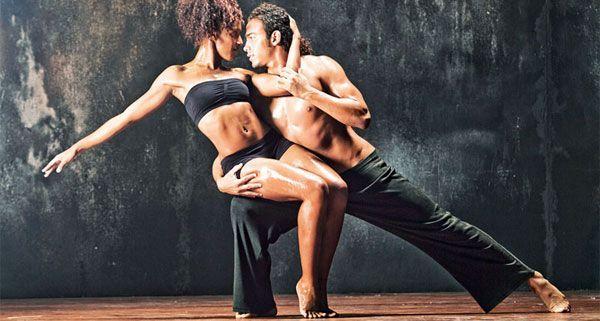 Klassisches Ballett mit dem Feuer Kubas.