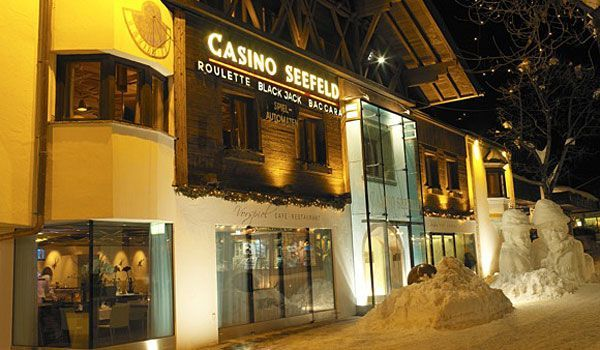 Casino Seefeld bei Nacht