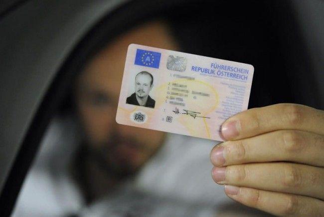Neu, praktisch und nur mehr 15 Jahre gültig: Der Scheckkarten-Führerschein