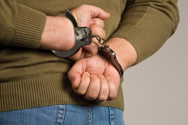 Ein ehemaliger Security-Mitarbeiter brach in das Elektronikgeschäft ein, in dem er gearbeitet hatte.