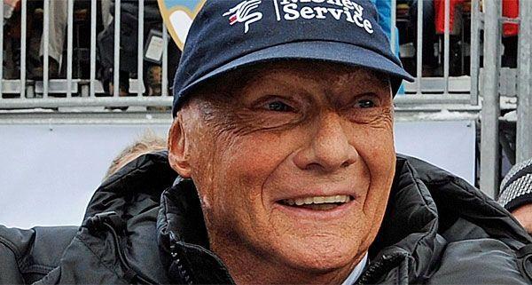 """Niki Lauda, offenbar Fan von """"Dancing Stars"""", schlägt wieder zu."""