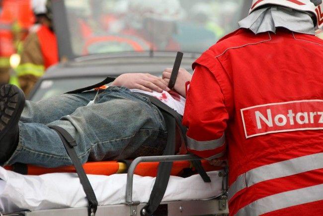 Bei einem Arbeitsunfall in Wien-Leopoldstadt wurde ein 22-Jähriger schwer verletzt.