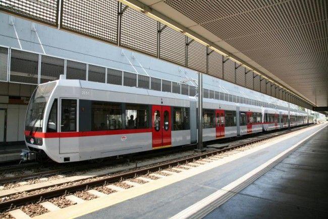 Erneut muss die U-Bahnlinie U6 wegen Reparaturarbeiten nach einem Kupferkabeldiebstahl unterbrochen werden.