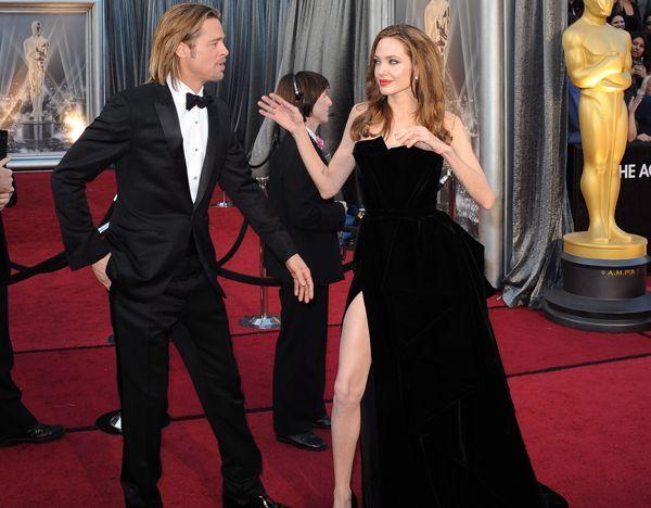 Etwas verkrampft setzte Angelina Jolie ihre Vorzüge bei den Oscars ins Bild