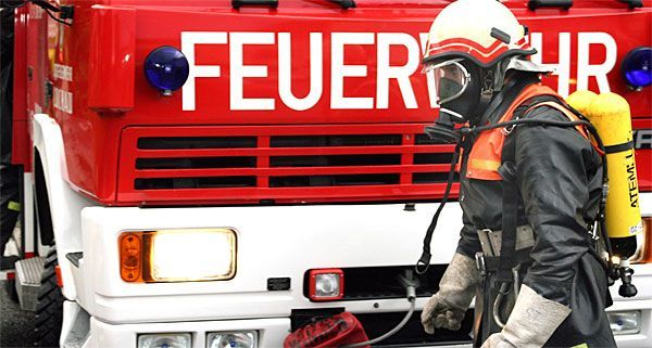 70 Feuerwehrleute waren beim Brand in der Rennbahnwegsiedlung im Einsatz.