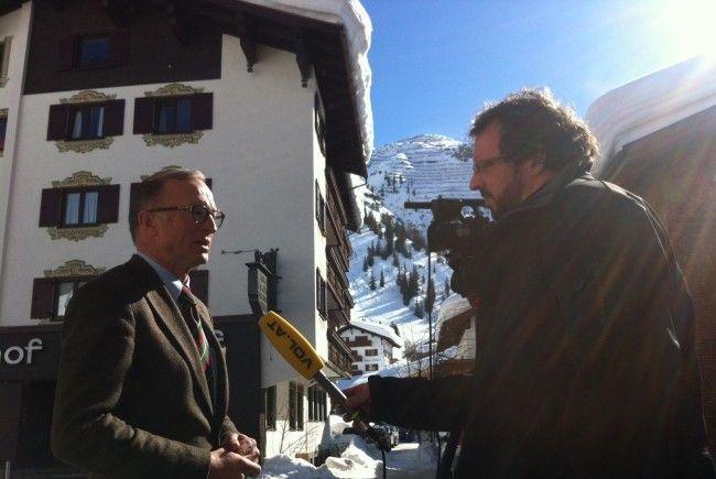Lech ist erschüttert und betet für Prinz Friso: Bgm. Ludwig Muxel im Interview mit VOL.AT-Reporter Sascha Schmidt.
