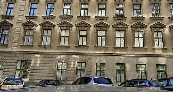 In diesem Wohnhaus in Wien-Rudolfheim-Fünfhaus kam es am Mittwoch zu einem Polizeieinsatz mit Schusswaffengebrauch