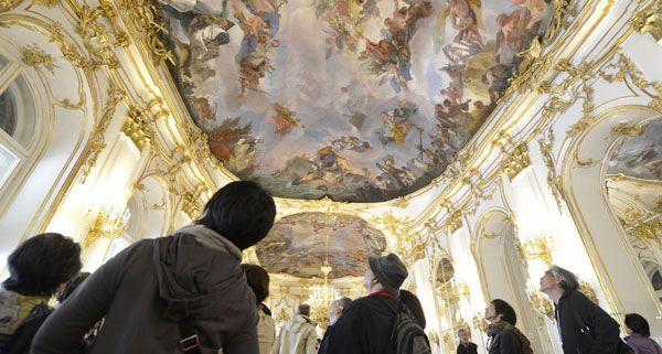 Ab sofort kann die Große Galerie in Schönbrunn wieder in ihrer ganzen Pracht besichtigt werden.