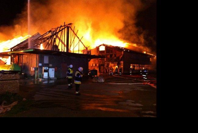 Drei Gebäude beim Kloster Mehrerau sind Freitagnacht bis auf die Grundmauern niedergebrannt.