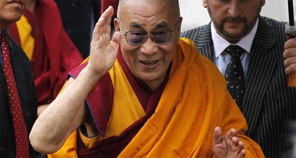 Der Dalai Lama nimmt bei einem Symposium an der Uni Wien teil.
