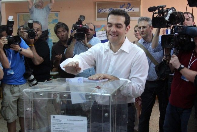 Alexis Tsipras, Chef der radikalen SYRIZA, am Sonntag beim Wahlgang.