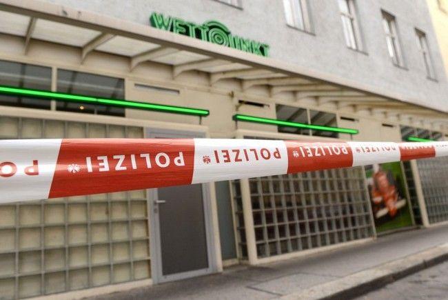 Der Mitarbeiter, der in einem Wettbüro in Wien angeschossen wurde, befindet sich auf dem Weg der Besserung