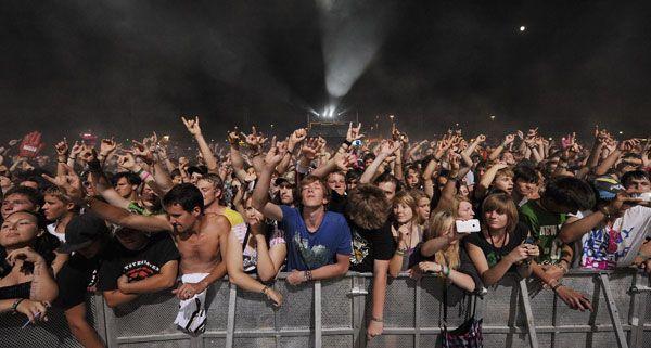 Die Festivalbesucher können sich am Frequency über die eigene App über verschiedene Änderungen informieren