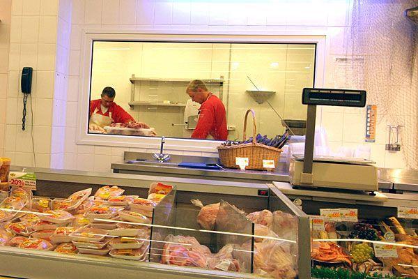 Wer Geflügel-Fleisch kauft, kann gar nicht vorsichtig genug sein