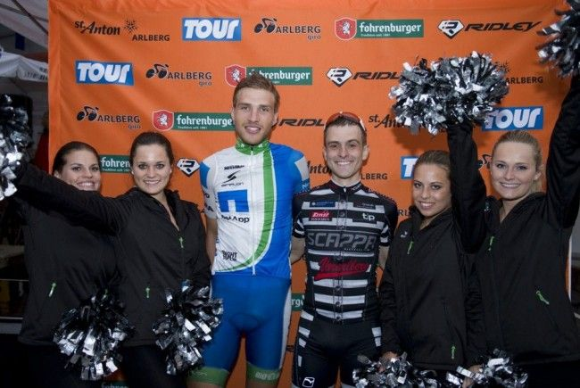 Favorit Matthias Brändle jubelte in St. Anton, Comebacker Dominik Brändle wurde Dritter.