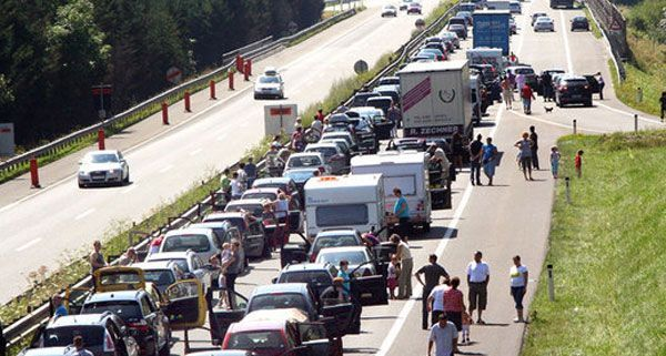 Das Wochenende wird staureich auf Österreichs Straßen.