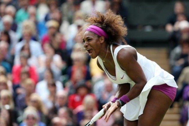 Serena Williams feiert ihren fünften Sieg im Rasenmekka.
